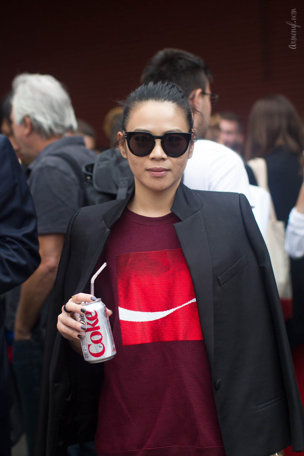 Coca-Cola-Sweatshirt-by-Armenyl