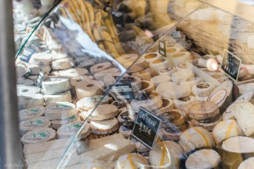 Fromage/Cheese at Farmer's Market in Paris
