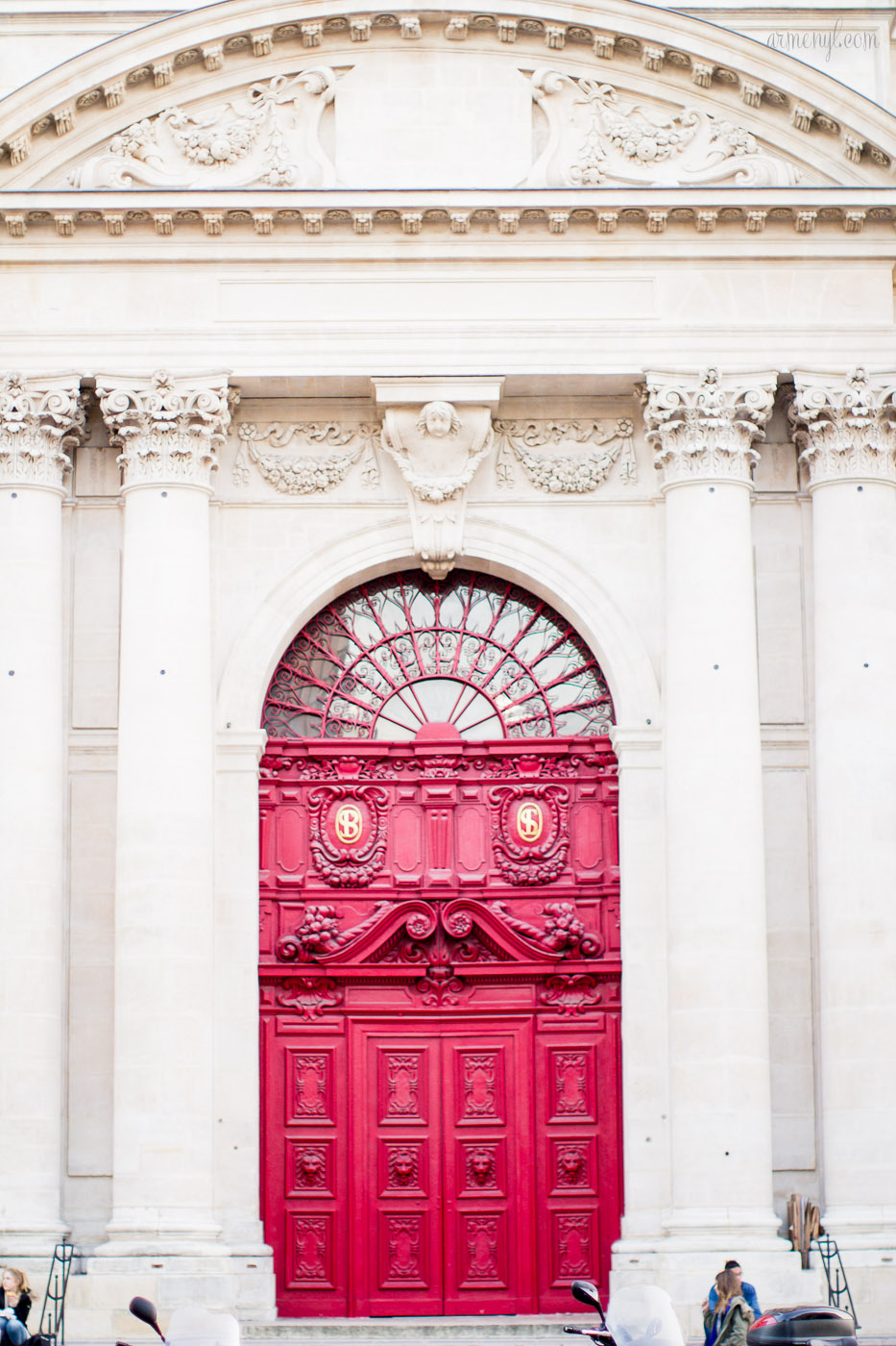 Saint Paul saint Louis Cathedral in Paris photographed by lifestyle and fashion blogger Armenyl.com