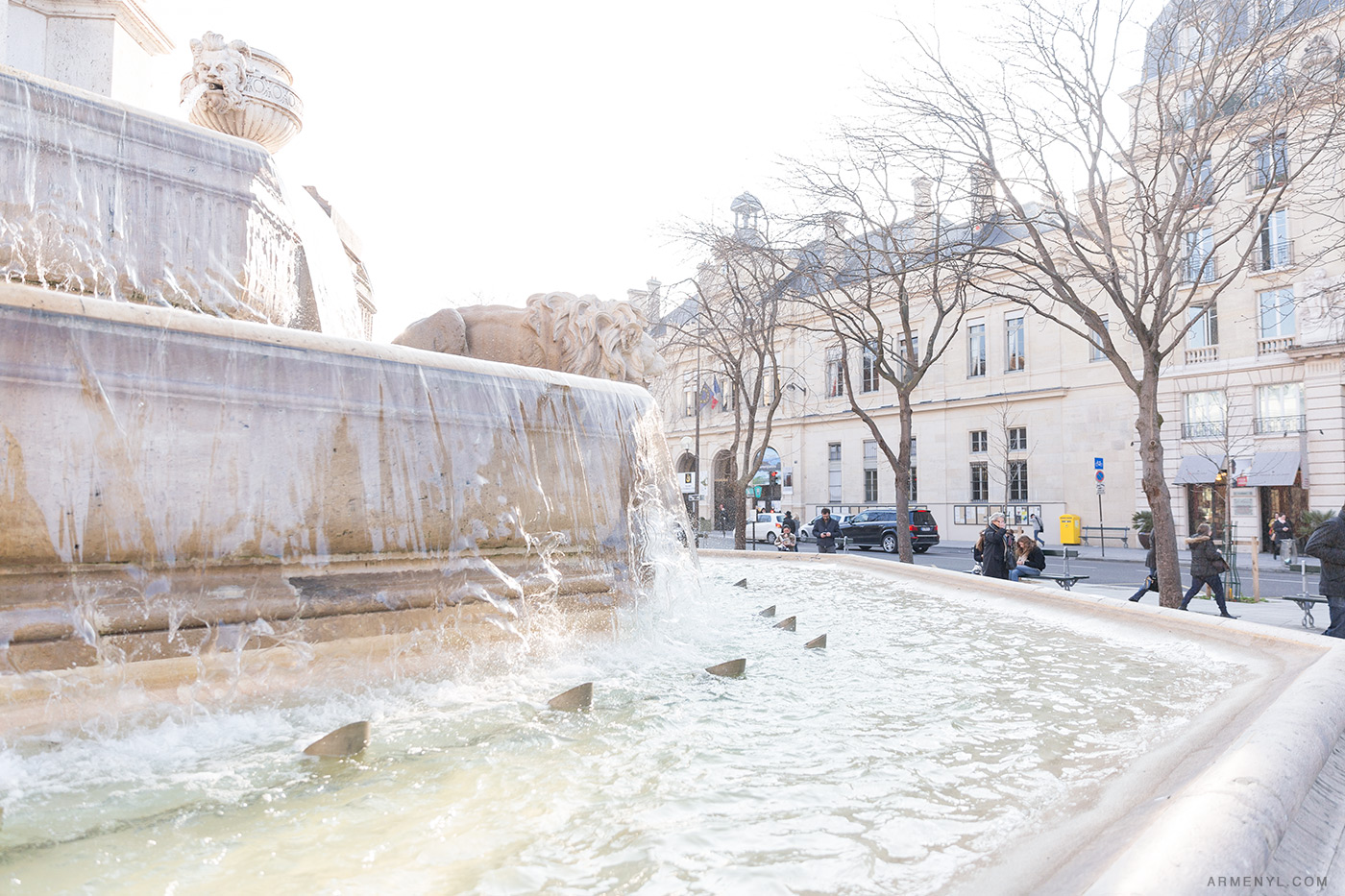 3-Sunny-day-in-Paris-France-photographed-by-Armenyl.com