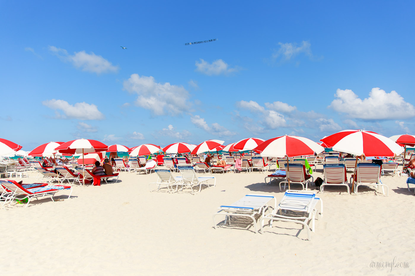 Beach Umbrellas at Miami Beach Florida photo by Armenyl.com