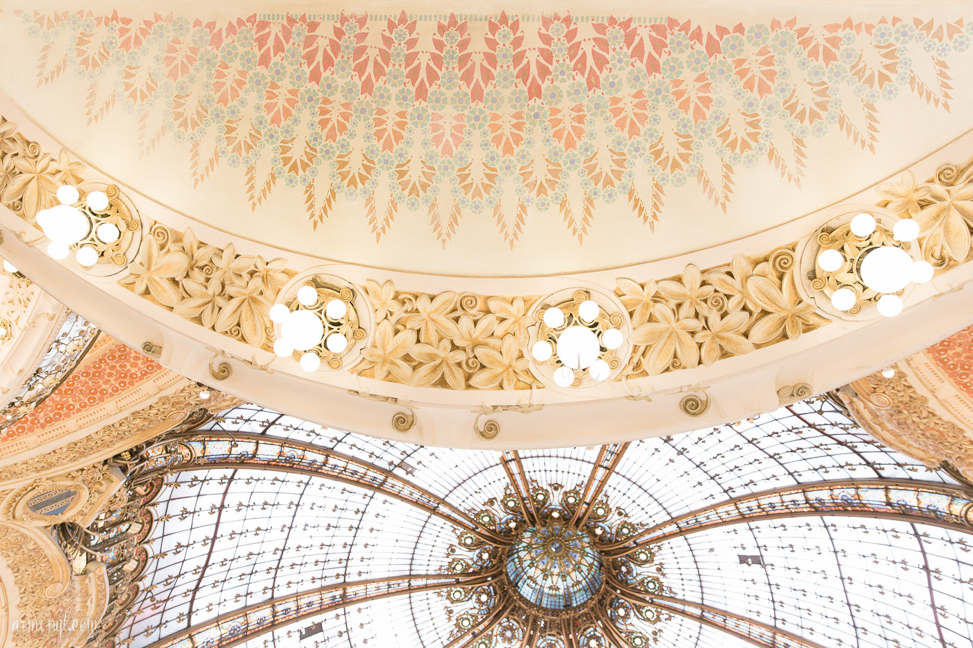 Inside Ceiling Galerie Lafayette, Paris photographed by Armenyl.com