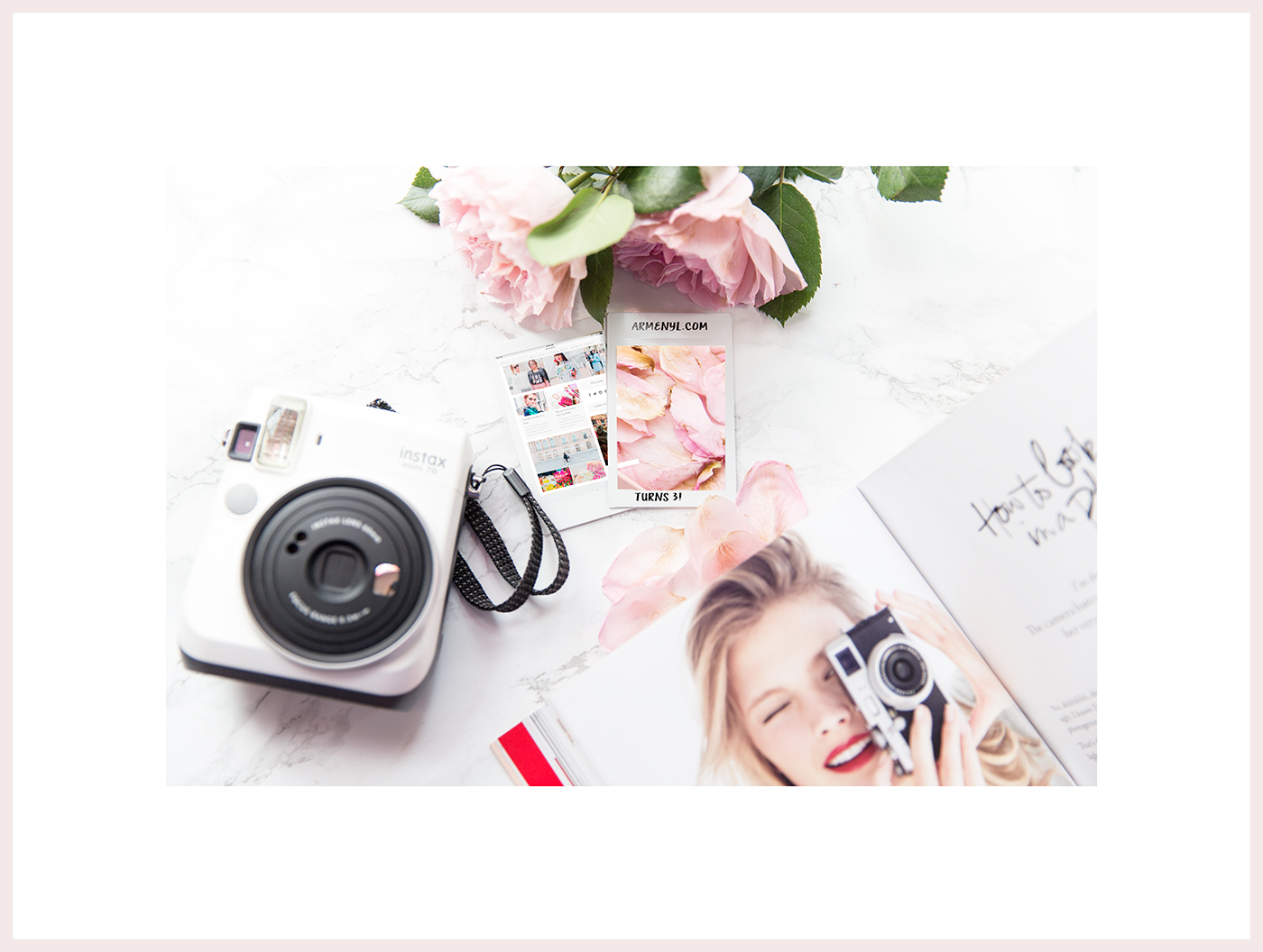 photography-by-armenyl-com-pink-roses-flatlay