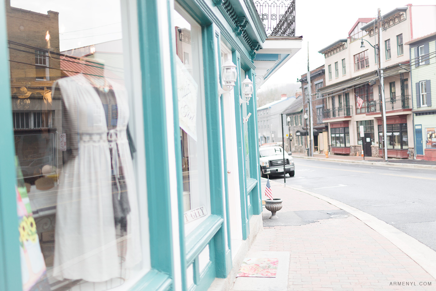 Pretty Pastels in Ellicott City Maryland Charm | Armenyl.com
