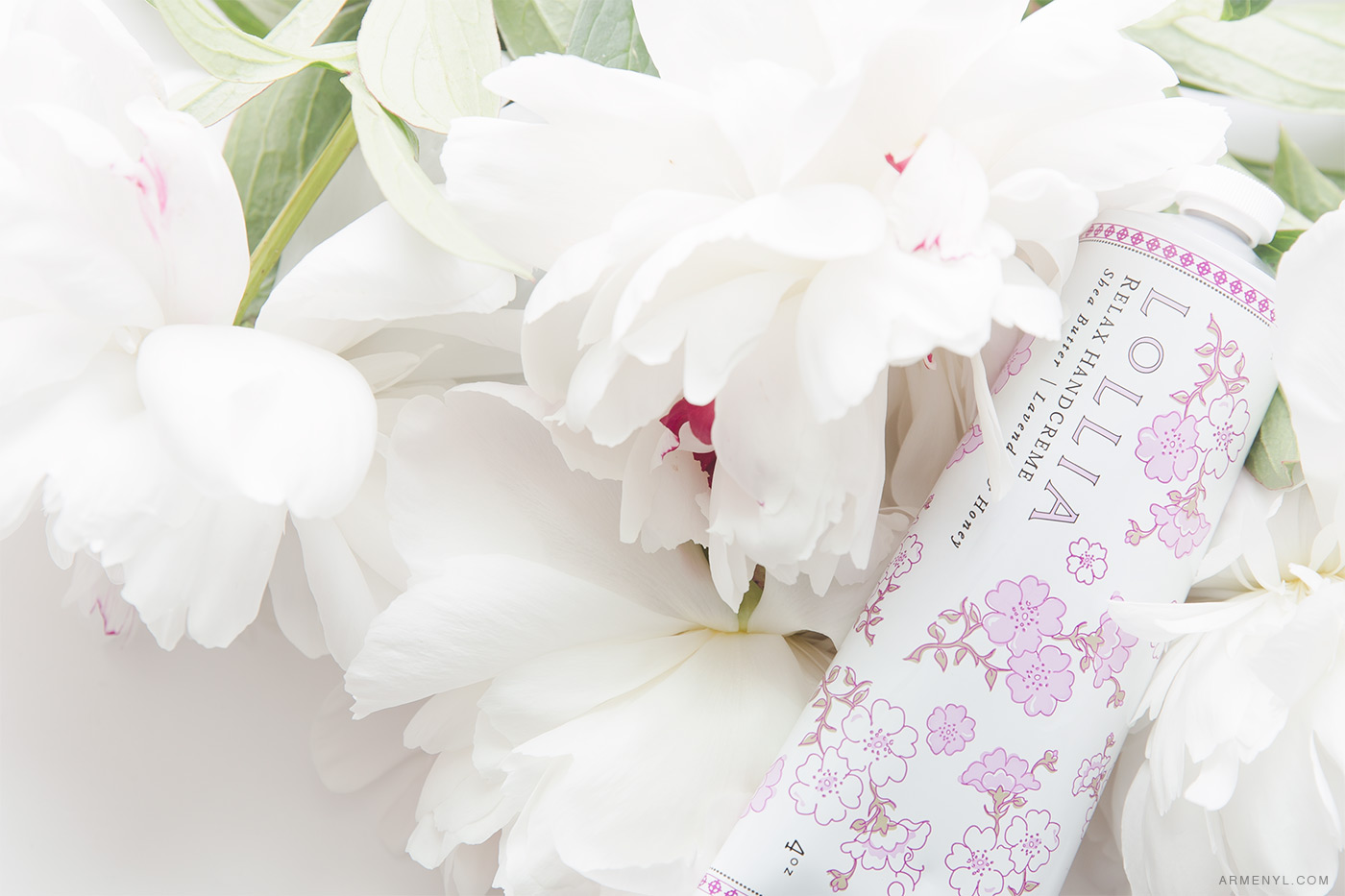 Beauty Favorites / Gift Guide Lollia HandCreme and white peonies Photo by Armenyl.com
