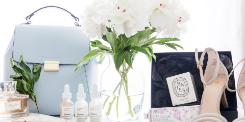 Armenyl favorites Zara Bag, Peonies, Baies Candle Diptyque, The Ordinary skincare, Lolia photographed by Armenyl.com