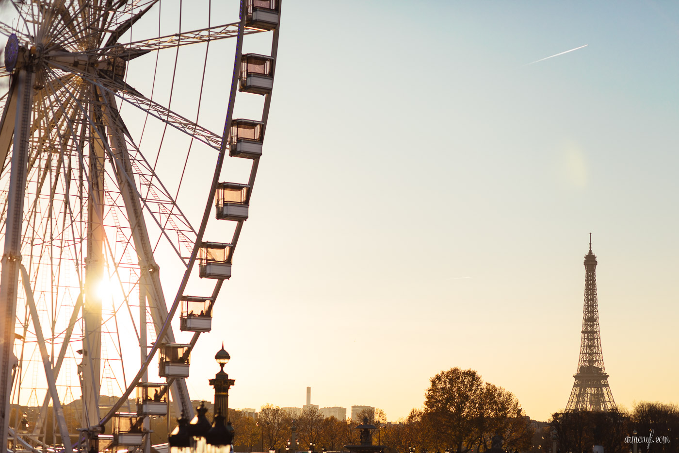Late evenings in Magical Paris photo by Armenyl.com
