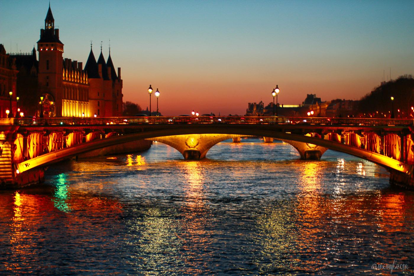 foto de La Ville Lumière Armenyl